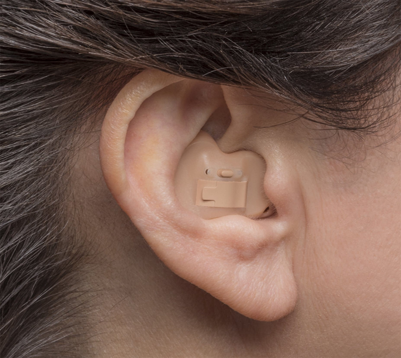 In the ear hearing device